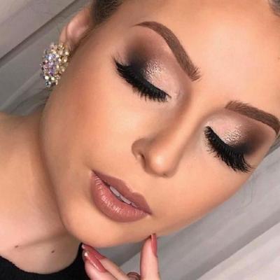 Сверкающий бронзовый макияж